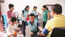 """珠海市摄影家协会文艺志愿者参加第四期""""慢病关爱""""入户核查拍摄"""